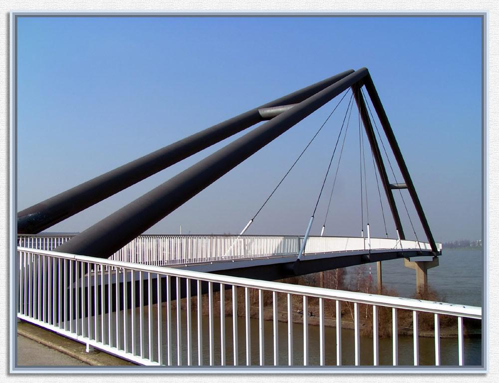 Hafenbrücke ins nichts?