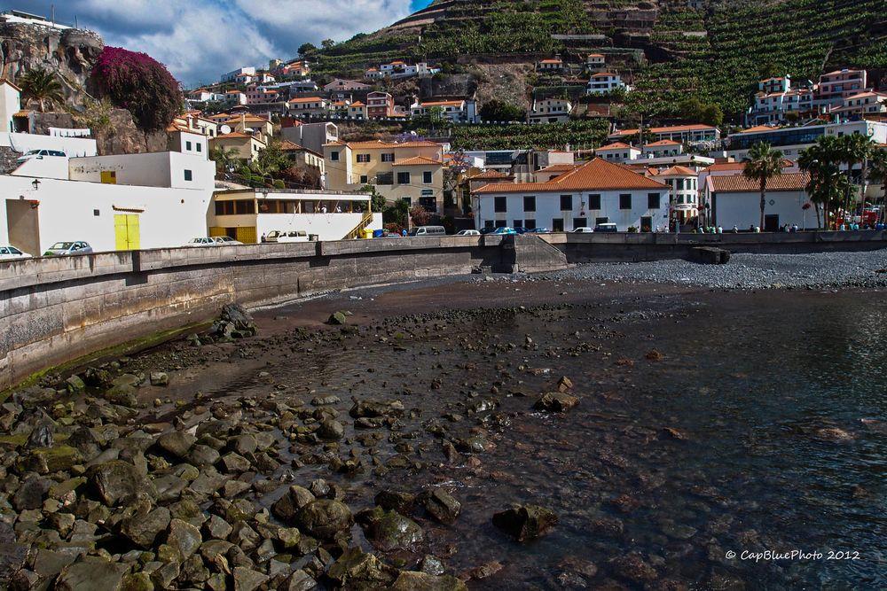 Hafenbucht in Camara de Lobos