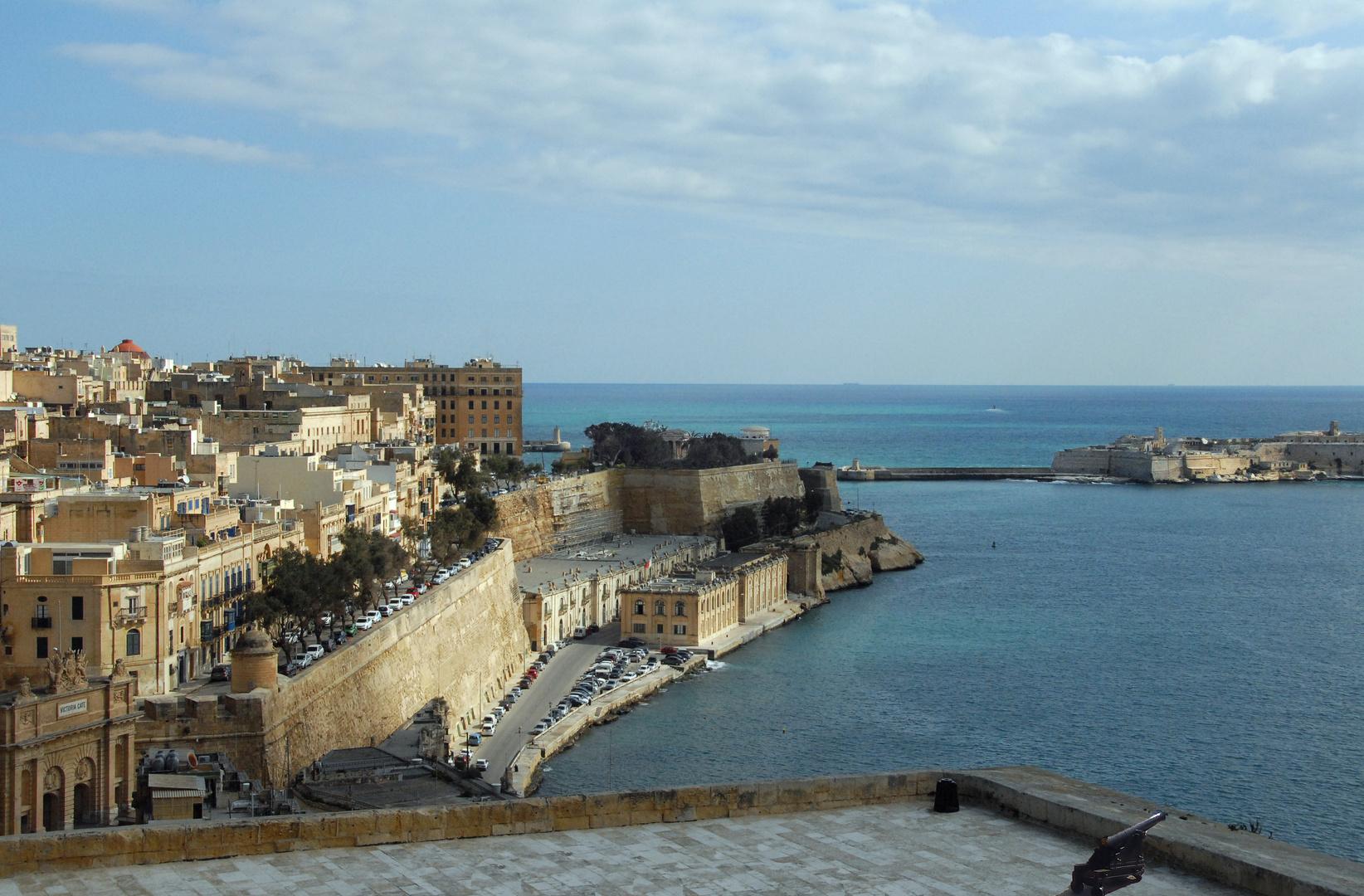 Hafeneinfahrt der Festungsstadt Valetta auf Malta
