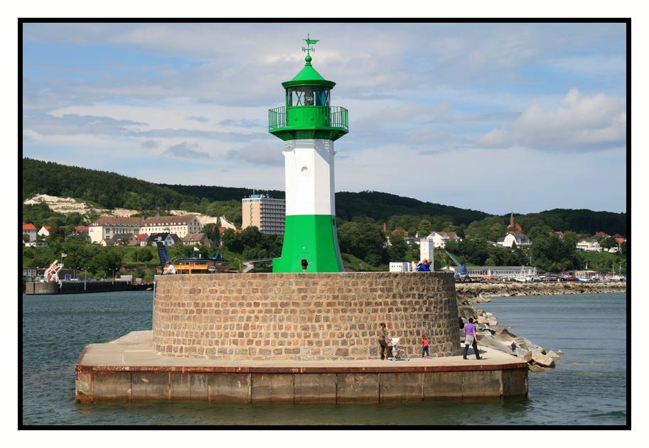 Hafeneinfahrt Sassnitz.....