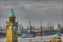 * Hafenrundfahrt *