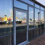 Hafenspiegelungen