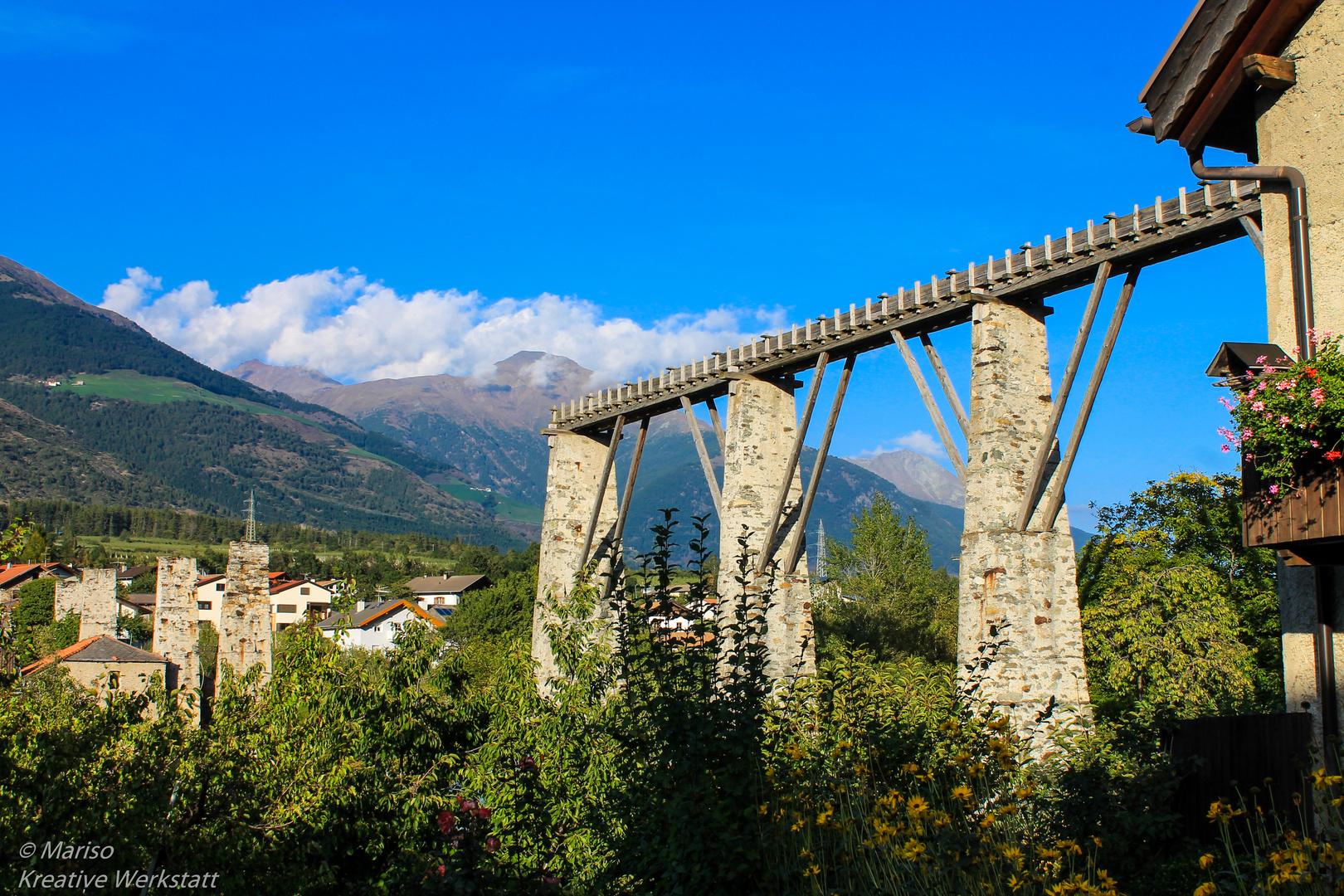 Halbes Aquädukt in Laas