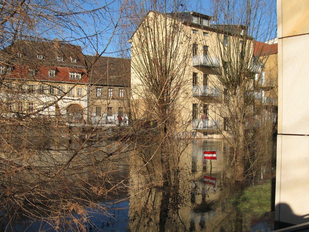 Halle (an der Saale) in der Saale-01
