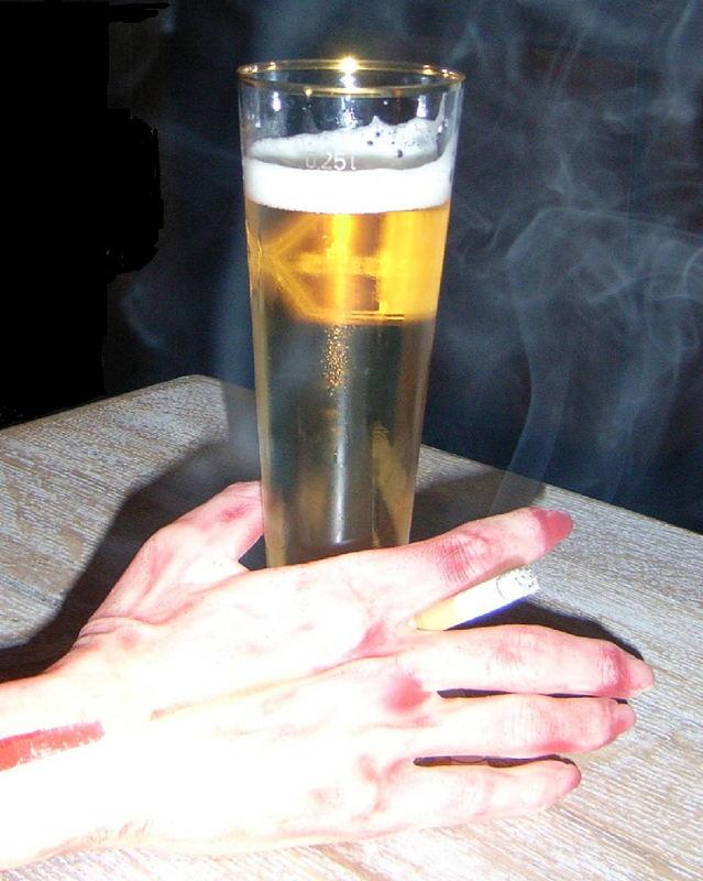 Halloween Bier.Halloween Das Letzte Bier Foto Bild Kunstfotografie