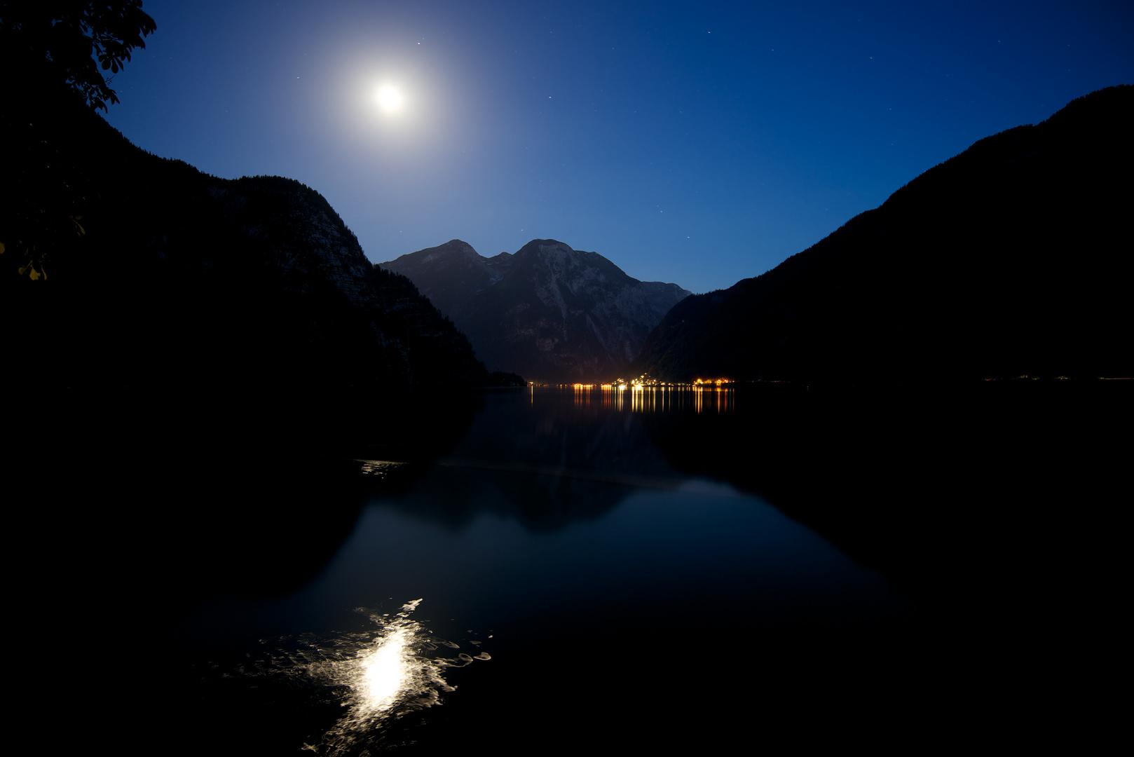 Hallstatt Moon