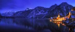 Hallstatt Panorama Blaue Stunde