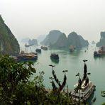 Halong Bucht - Am Eingang zur Höhle Hang Thien Cung