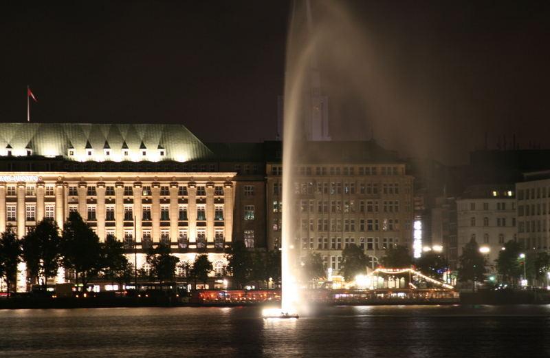 Hamburg bei Nacht - Alster 8