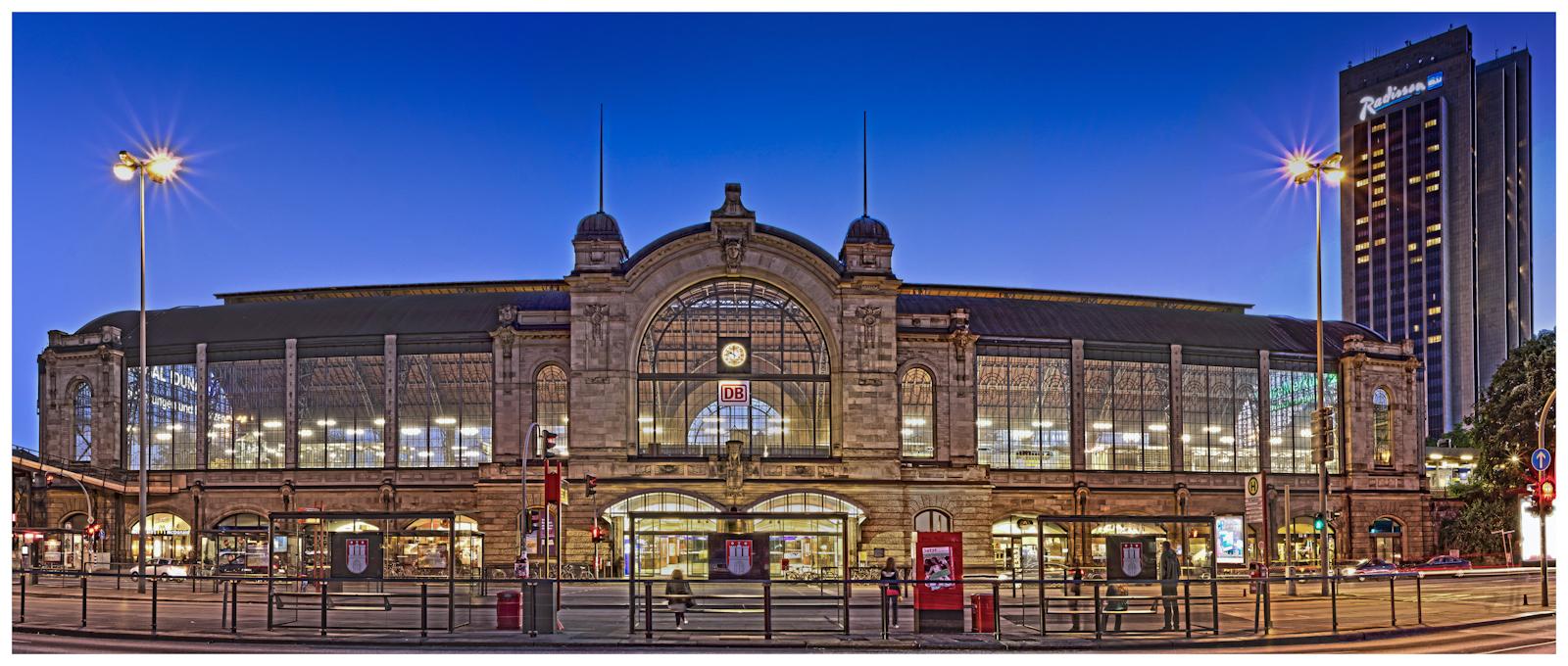 Hamburg Dammtor Bahnhof (HDR Panorama)