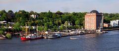 Hamburg entlang der Elbe