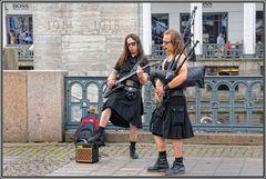 Hamburg   Folk-Rock an den Alsterarkaden