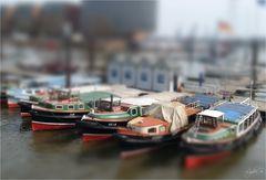 ...Hamburg Hafen...