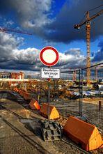 Hamburg - Hafencity - Baustellenfahrzeuge frei