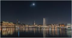 Hamburg im Mondschein