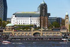Hamburg kurz vor der Einlaufparade