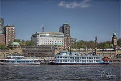 Hamburg .... Landungsbrücken
