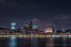 Hamburg Landungsbrücken Skyline