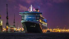 Hamburg / Queen Mary 2 / 2013 - 1