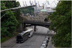 Hamburg - Straße zu den Landungsbrücken