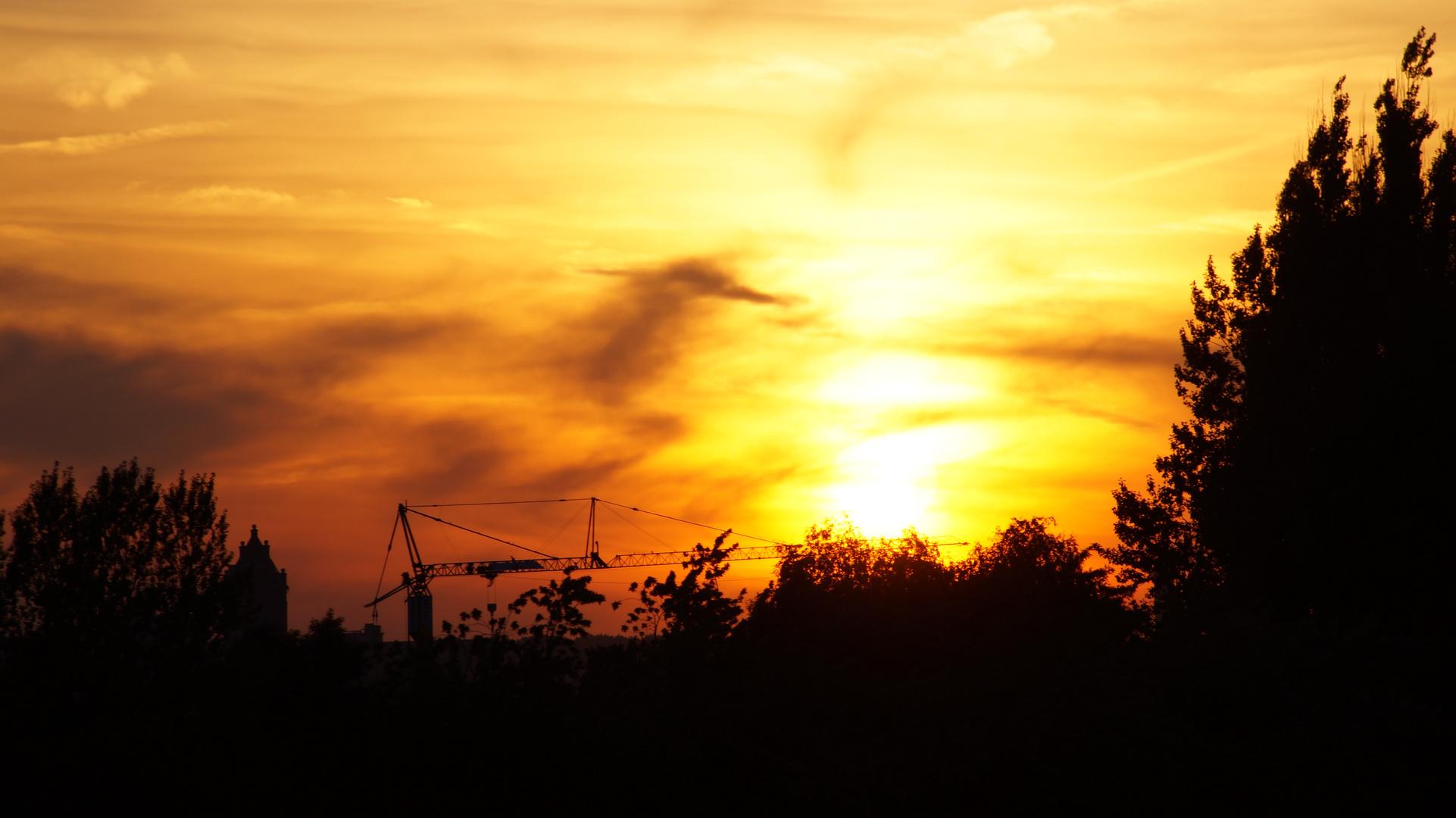 Hamburg Sun goes down