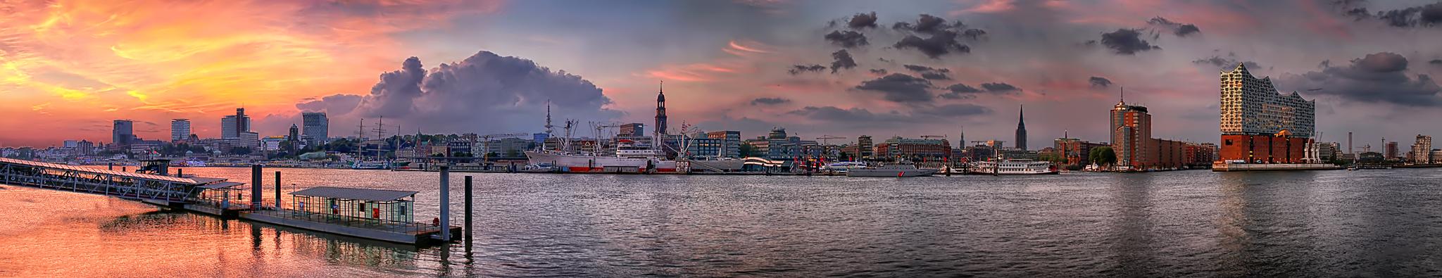 Hamburg zur Goldenen Stunde