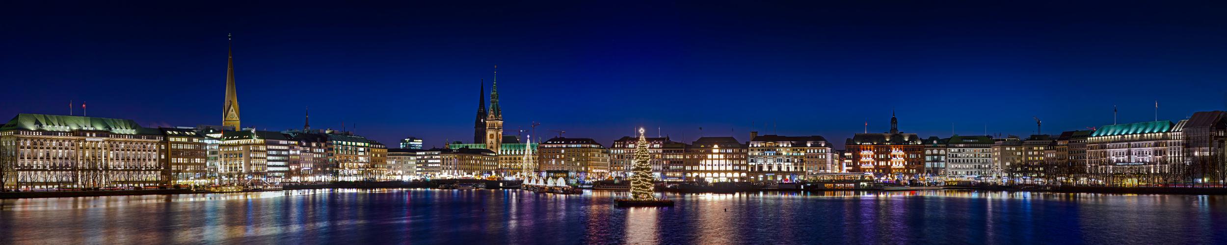 Hamburger Binnenalster zur Weihnachtszeit