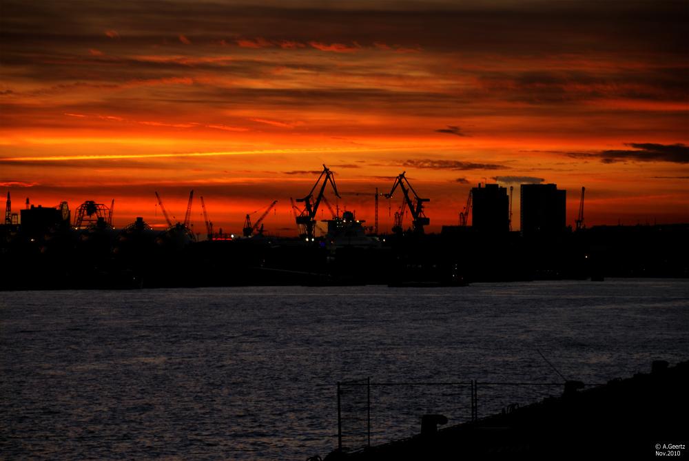 Hamburger Hafen im Nov. 2010