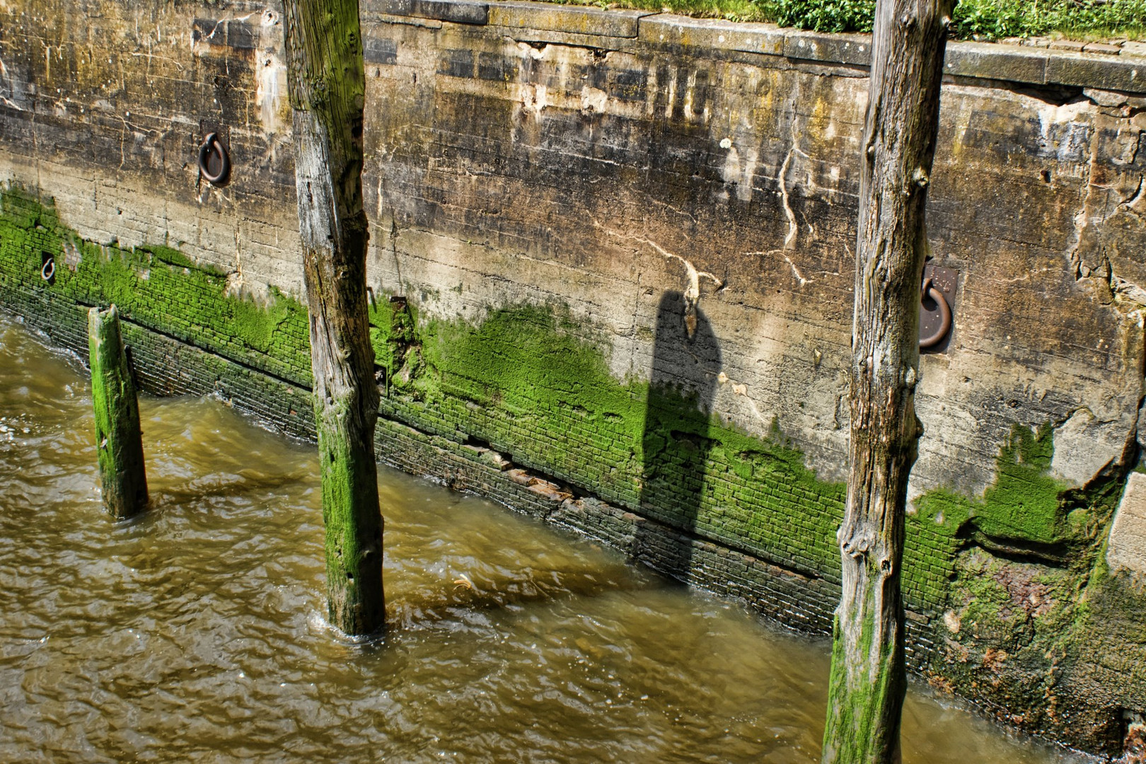 Hamburger Hafen Kaimauer 3
