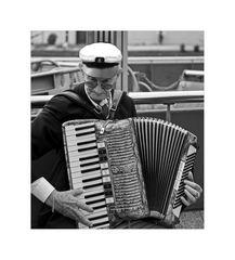 """Hamburger-Impressionen """" Hafen-Musiker..."""""""