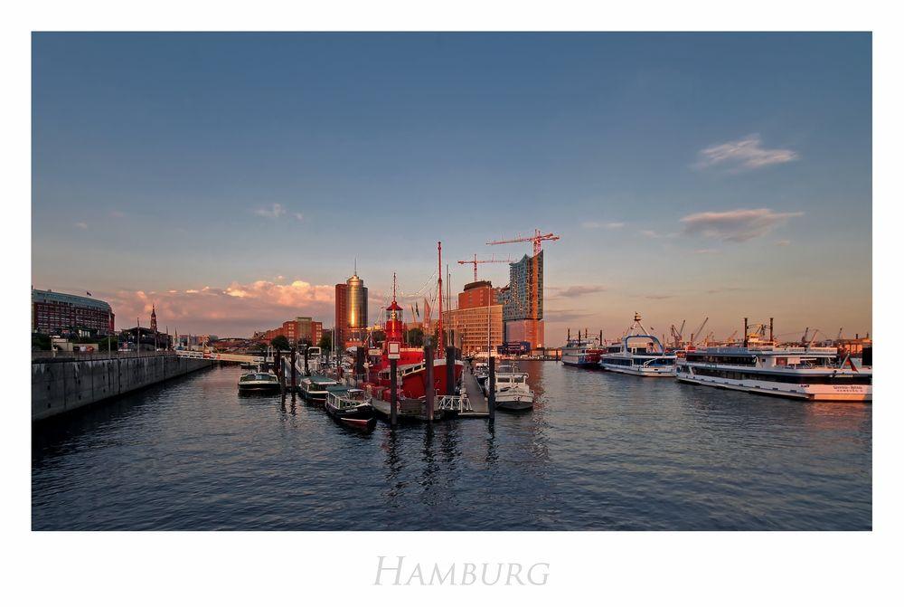 """Hamburger-Impressionen """" Hamburger Hafencity in der Abendsonne..."""""""