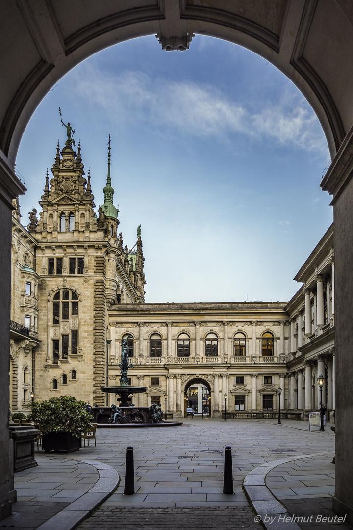 Hamburger Rathaus - Durchblick