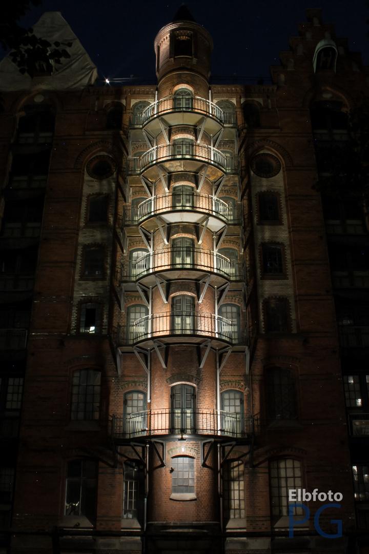 Hamburgs Speicherstadt bei Nacht 2