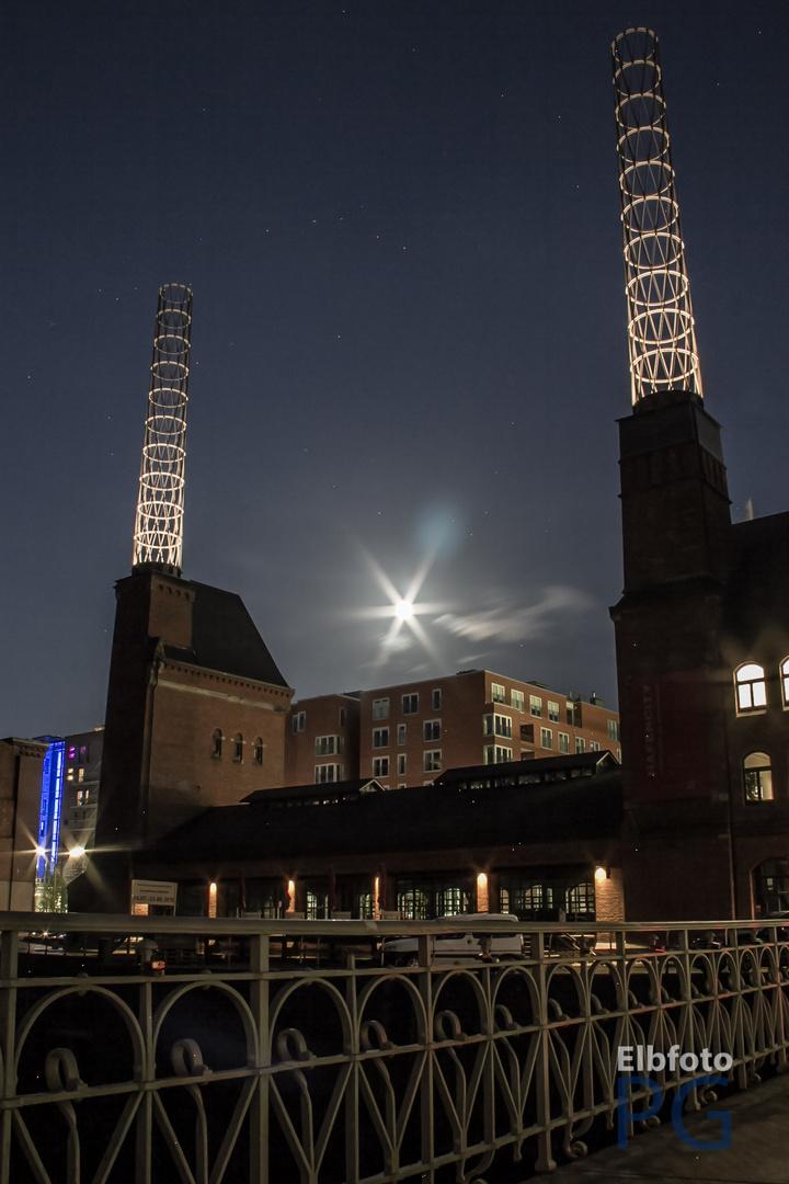 Hamburgs Speicherstadt bei Nacht 3