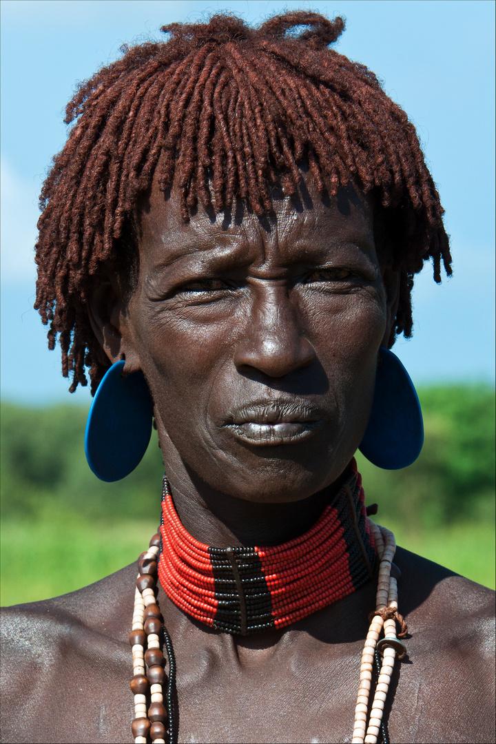 [ Hamer Tribe Woman - Closeup ]