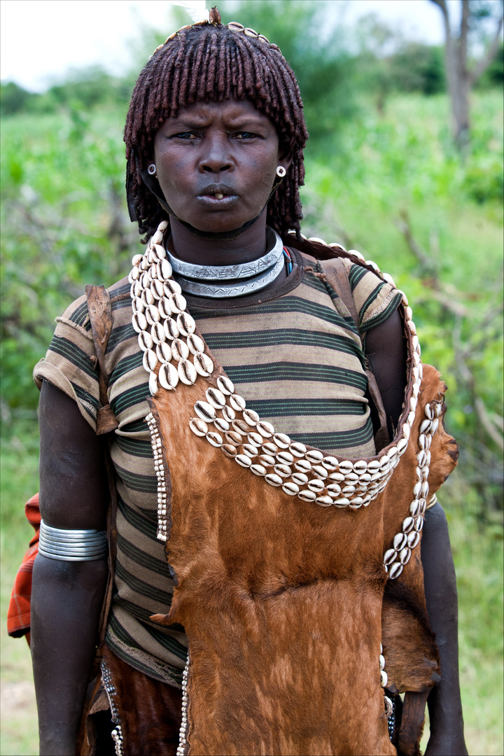 [ Hamer Tribe Woman with Leather Clothing ]