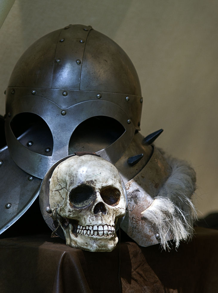 Hamlets erstes Opfer, weil er den Helm nicht geben wollte