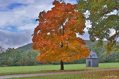 Hammerscheune mit Herbstaccessoire