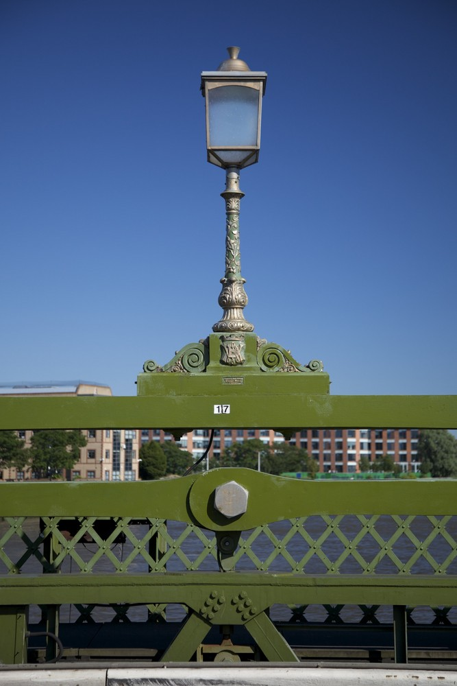 Hammersmith brigde street light