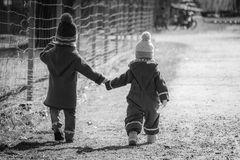Hand in Hand zusammen