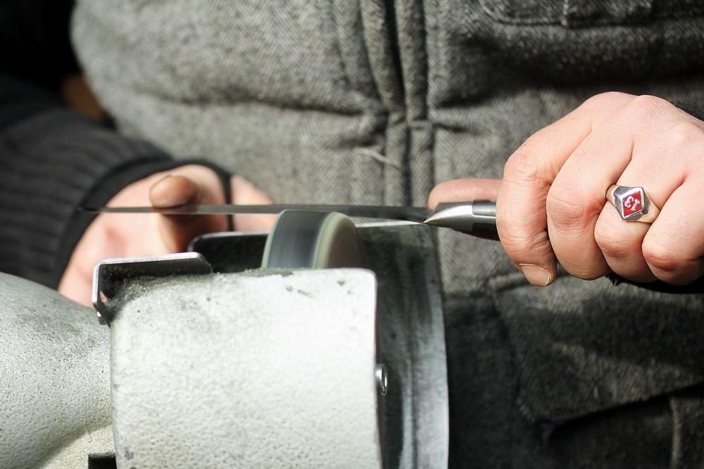 Handarbeit - Der Messerschleifer II