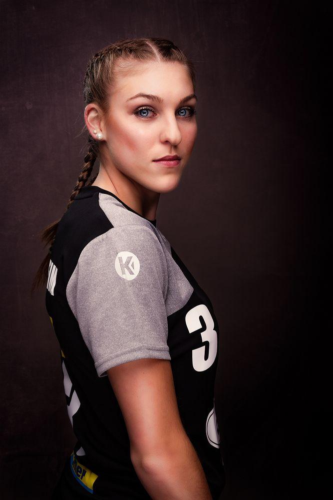 Handball von seiner schönsten Seite - Laura