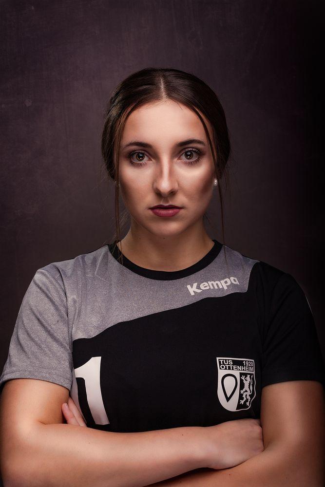 Handball von seiner schönsten Seite - Nadine