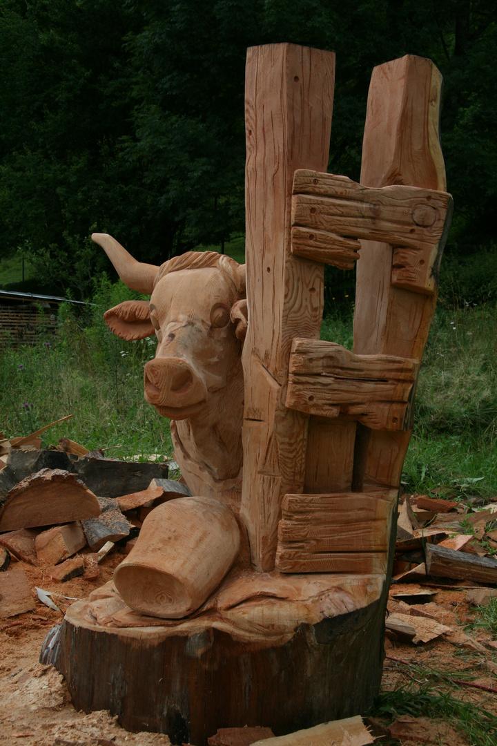 Handgeschnitzte Kuh