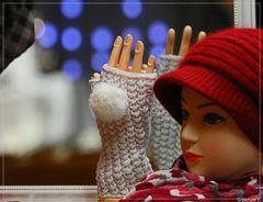 Handschuhe im Angebot auf dem Weihnachtsmarkt in Münster