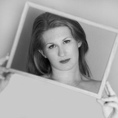 Hannah Elizabeth Tilt