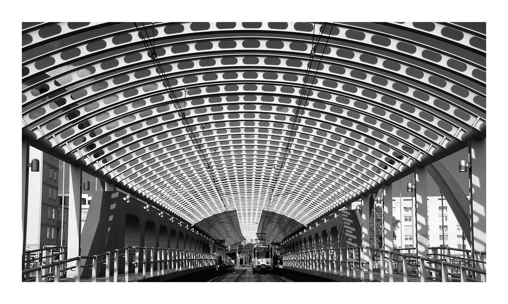 Hannover - Station Noltemeyerbrücke...
