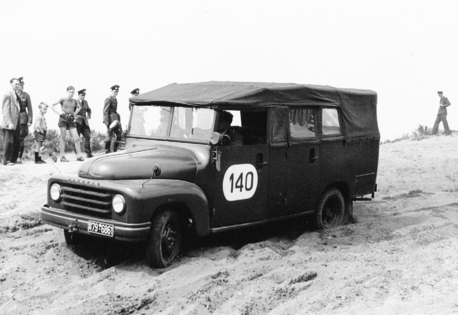 Hanomag - Mannschaftstransporter der Polizei in den 50er-Jahren