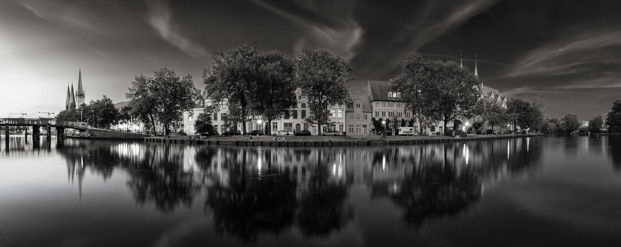 Hansestadt Lübeck: ***Ein Sommerabend***