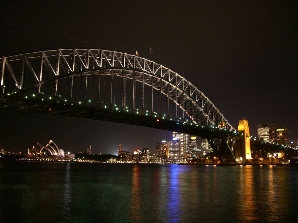 Harbour Bridge & Oper in Sydney